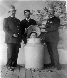 harry houdini performs the great milk can escape small